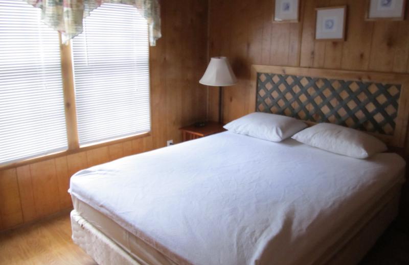 Cabin bedroom at Miami Everglades.