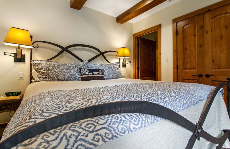 Guest room at Antlers at Vail.
