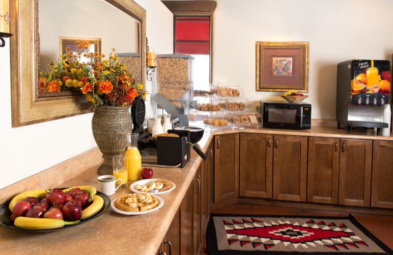 Breakfast Area at Santa Fe Sage Inn