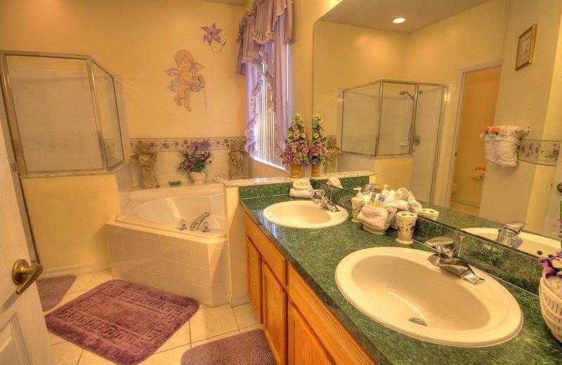 Vacation rental bathroom at Elite Vacation Homes.
