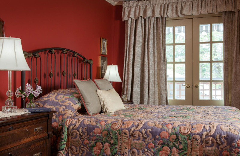 Guest room at Journey Inn Bed & Breakfast.