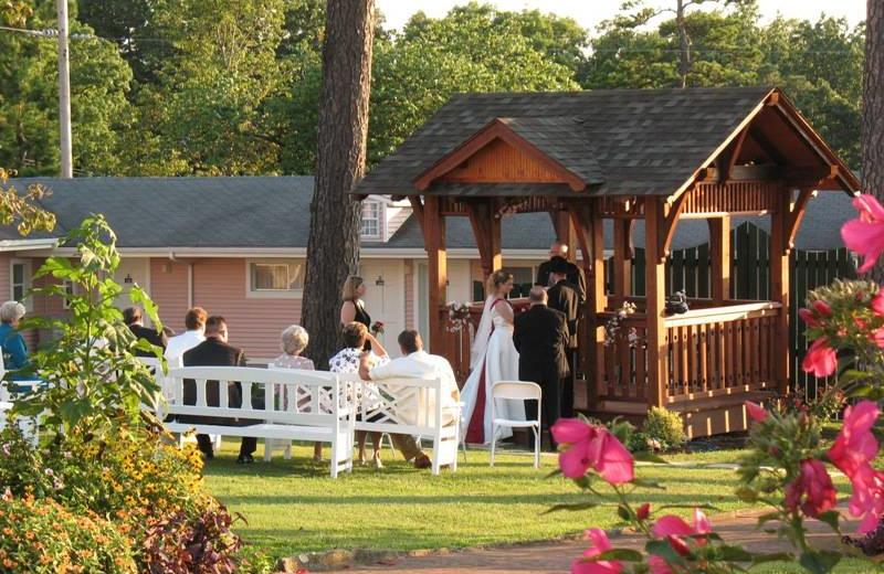 Wedding at Land O Nod Inn.