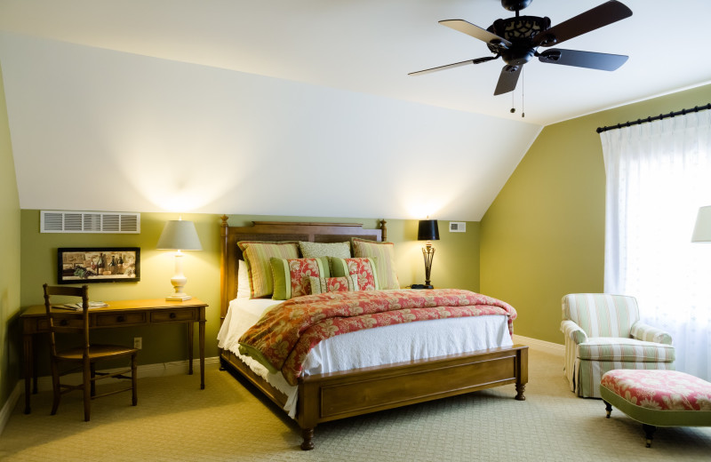 Guest room at Chaumette Vineyards & Winery.
