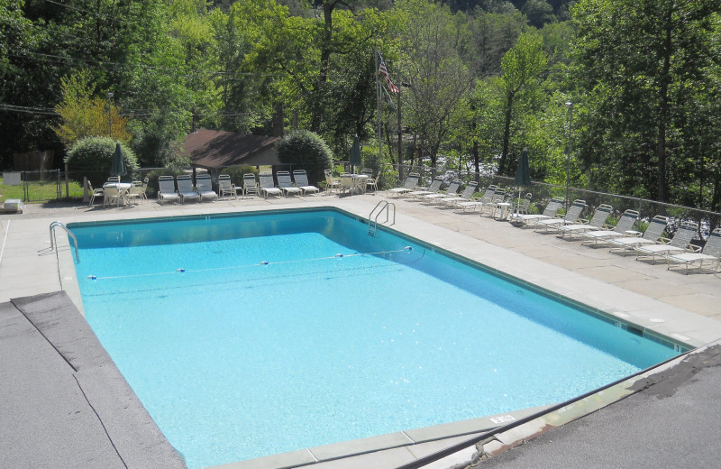 Outdoor pool at Yogi in the Smokies.