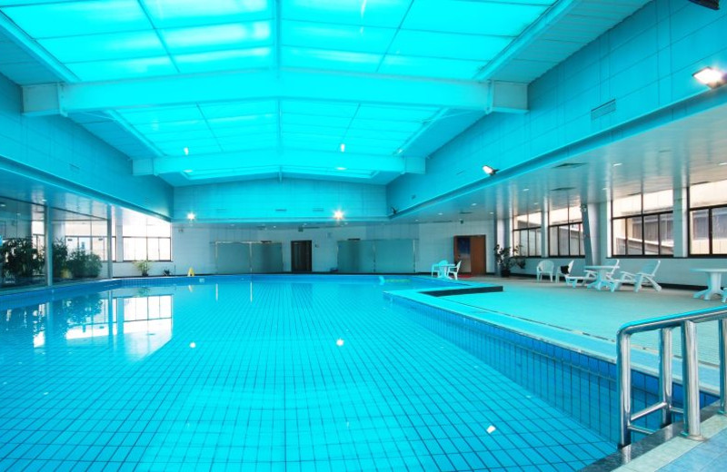 Indoor pool at Pan Pacific Wuxi Grand Hotel Wuxi.