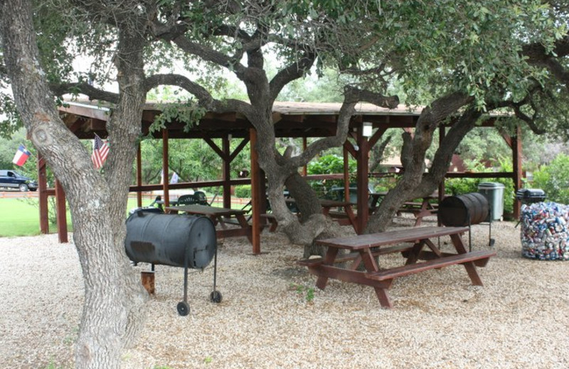 BBQ Area at Canyon Lake Cabins & Cottages