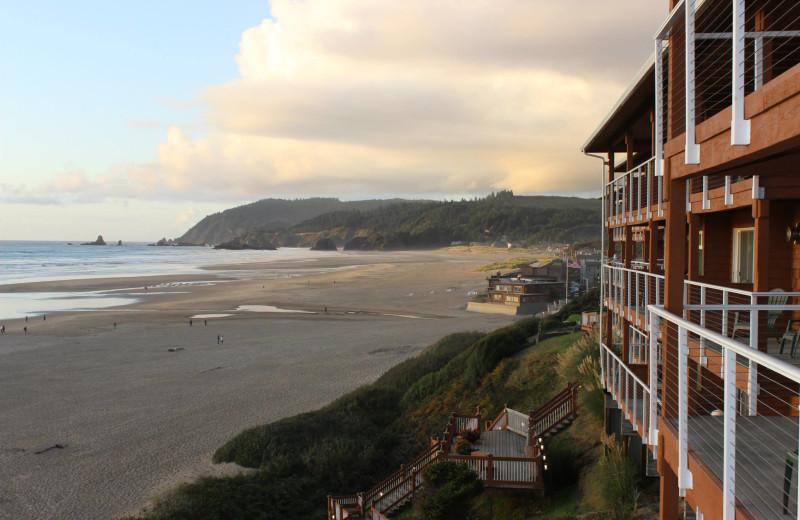 Exterior view of Hallmark Resort in Cannon Beach.