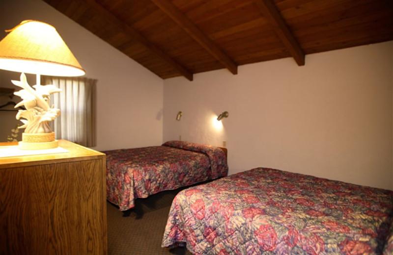 Guest bedroom at Sandpiper Beach Resort.