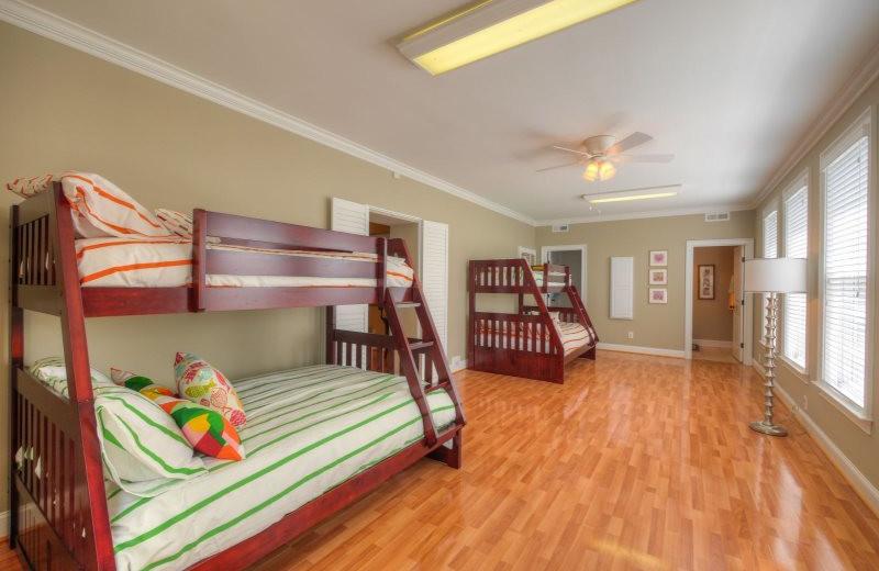 Rental bunk beds at StayLakeNorman Luxury Vacation Rentals.