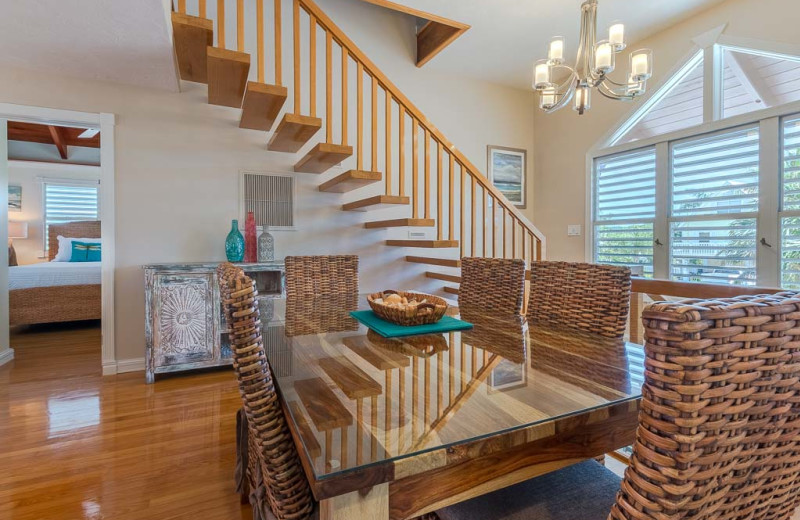 Rental dining room at Florida Keys Vacation Rentals.
