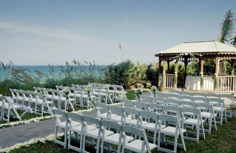 Outdoor wedding at Crowne Plaza Melbourne Oceanfront Resort.