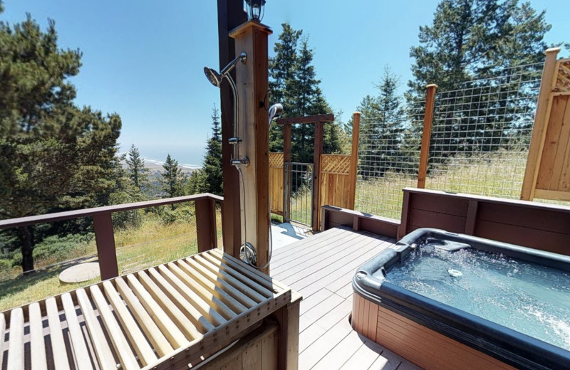 Rental hot tub at Irish Beach Vacation Rentals.
