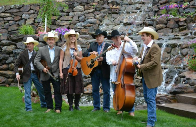 Wedding musicians at Summer Creek Inn & Spa.
