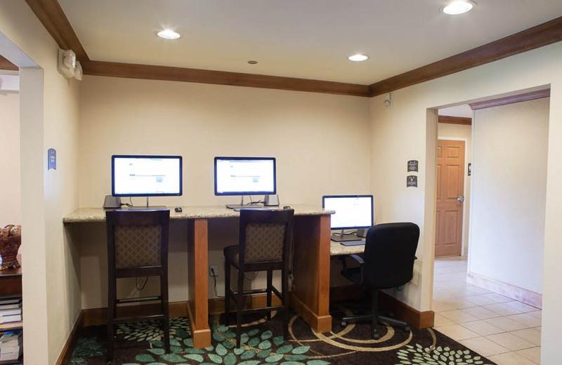 Business Corner at the Staybridge Suites Houston West/Energy Corridor