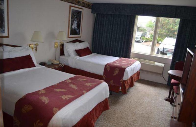 Guest room at Sawmill Creek Resort.