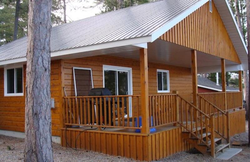 Cabin at Pine Cliff Resort