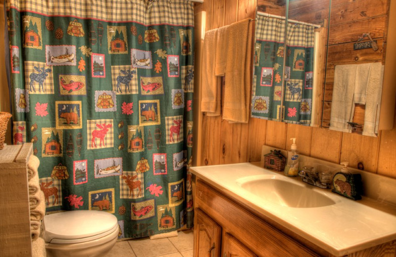 Cabin bathroom at Hidden Creek Cabins.
