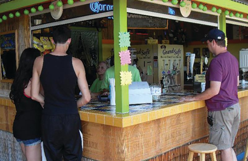 Tiki bar at Yogi Bear's Jellystone Park Gardiner.