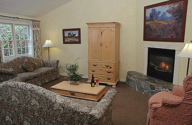 Suite living room at Sea Otter Inn.