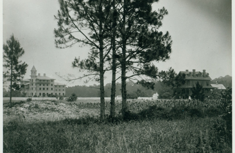 Historical photo of Jekyll Island Club Hotel.