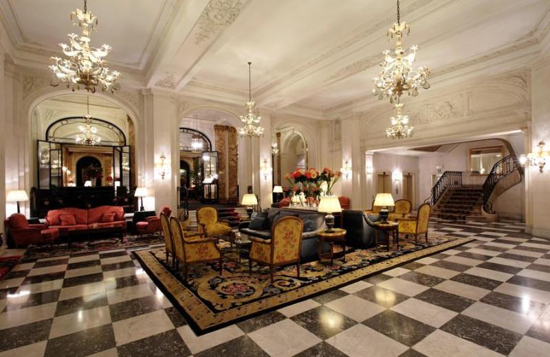 Lobby at Hotel Le Plaza.