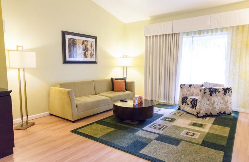Guest living room at La Torretta Lake Resort & Spa.