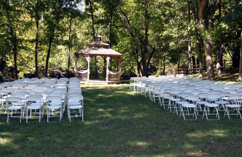 Wedding ceremony at Riverwood Resort.