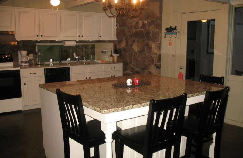 Rental kitchen at Red Apple Inn and Country Club.