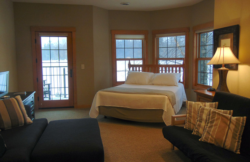 Guest bedroom at Northernaire Resort.