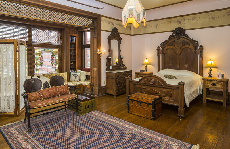Guest bedroom at The Parador of the Palm Beaches.