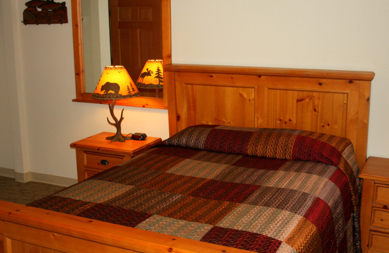 Bedroom at King Salmon Lodge.