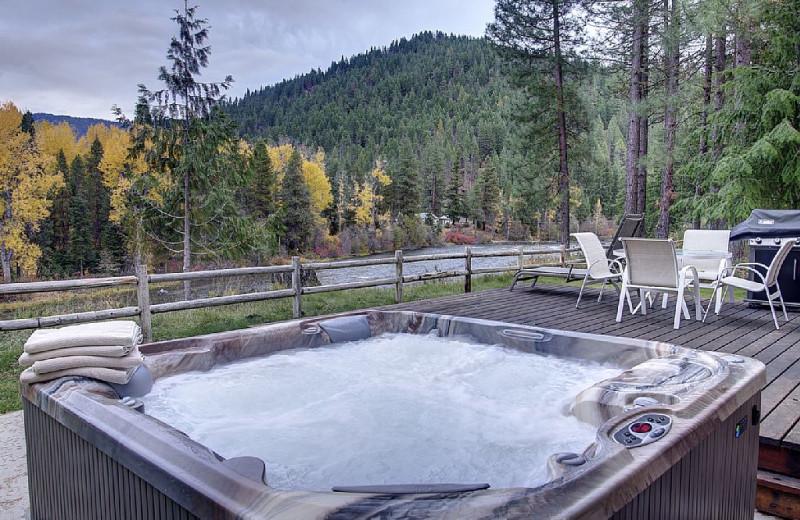 Cabin hot tub at Natapoc Lodging.