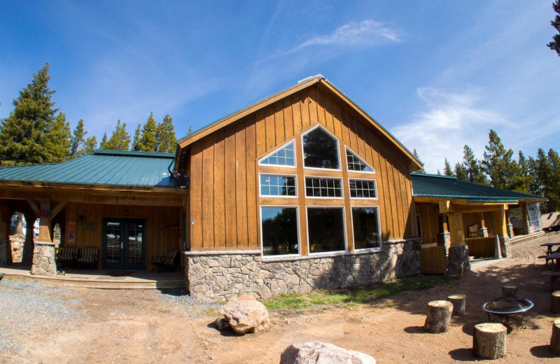 Exterior view of Wyoming High Country Lodge.