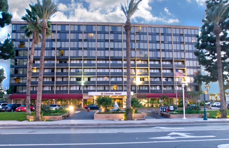 Exterior view of Clarion-Anaheim Resort.