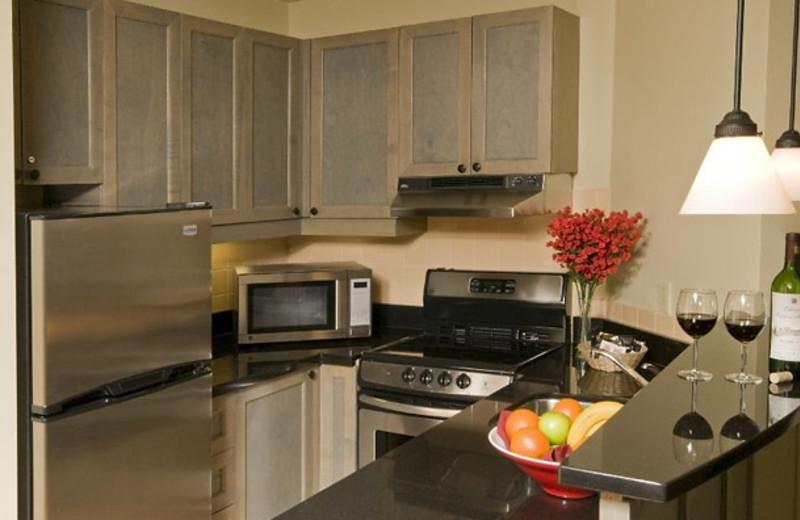 Kitchen suite at Residence Inn Mont Tremblant Manoir Labelle.