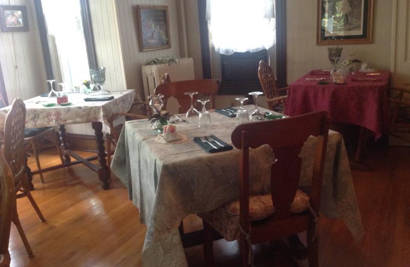 Dining at Highlawn Inn