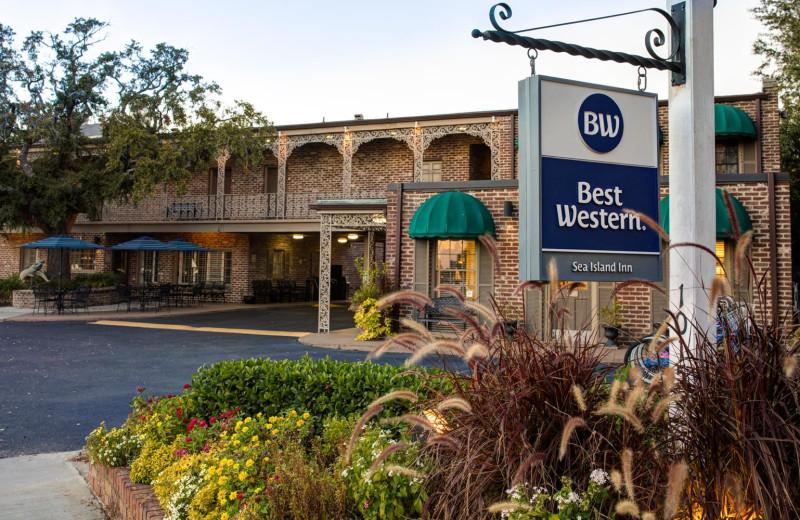 Exterior view of Best Western Sea Island Inn.