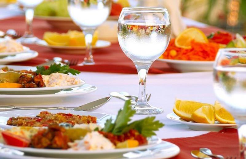Dining at Shawnee Inn and Golf Resort.