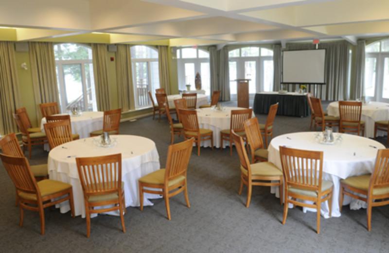 Dining room at Sherwood Inn.