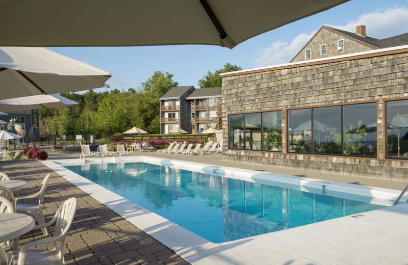 Outdoor pool at Steele Hill Resorts.