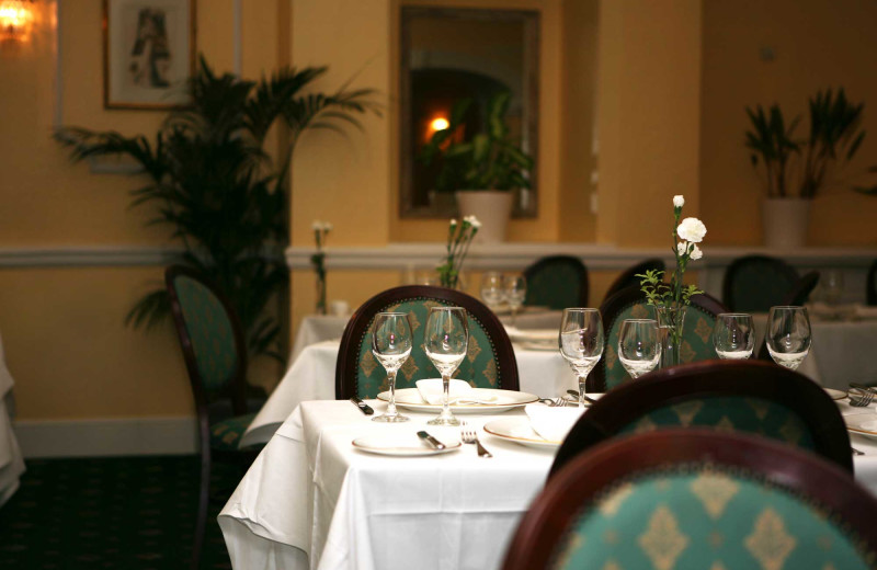 Dining at Osborne Hotel.
