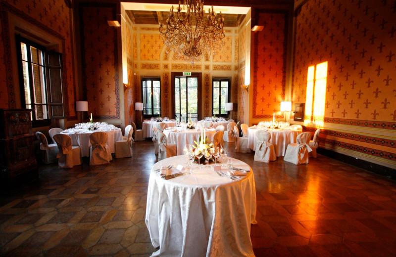 Dining at Villa Pitiana.