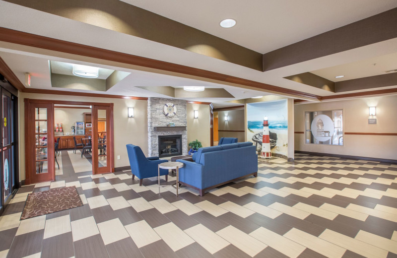 Lobby at Comfort Suites Stevensville - St. Joseph.