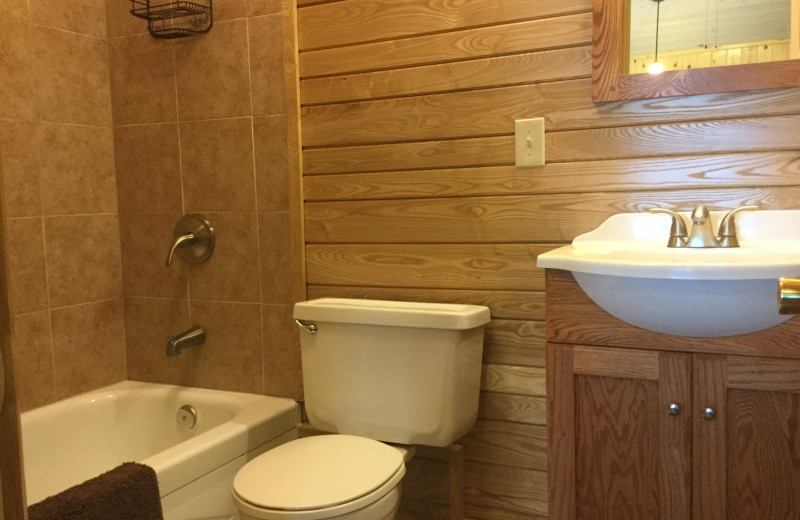 Cabin bathroom at Driftwood Resort.