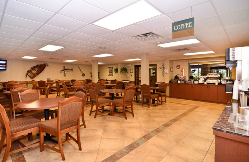 Breakfast Area at  Comfort Inn & Suites