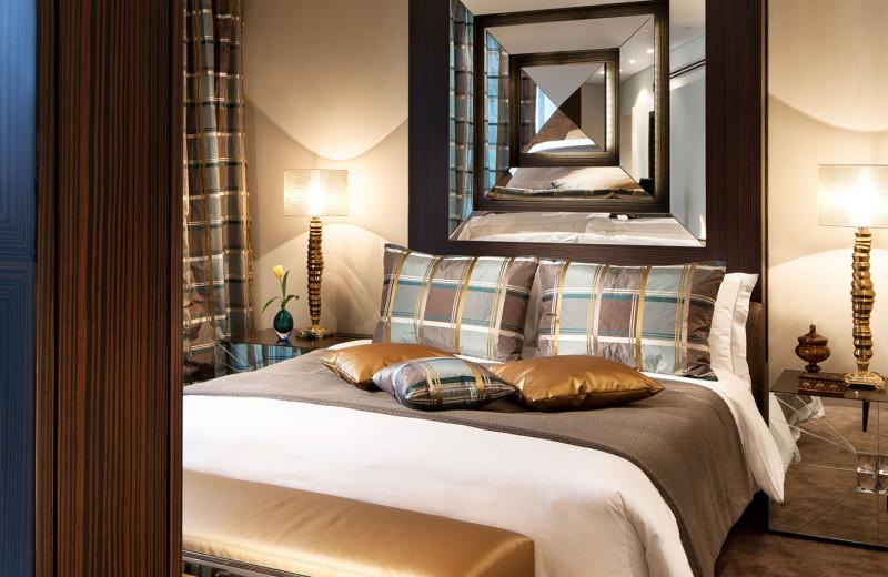 Guest room at Al Faisaliah Hotel.