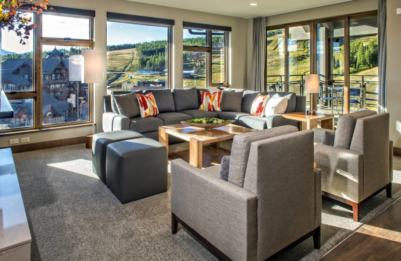 Guest room at Grand Colorado on Peak 8.
