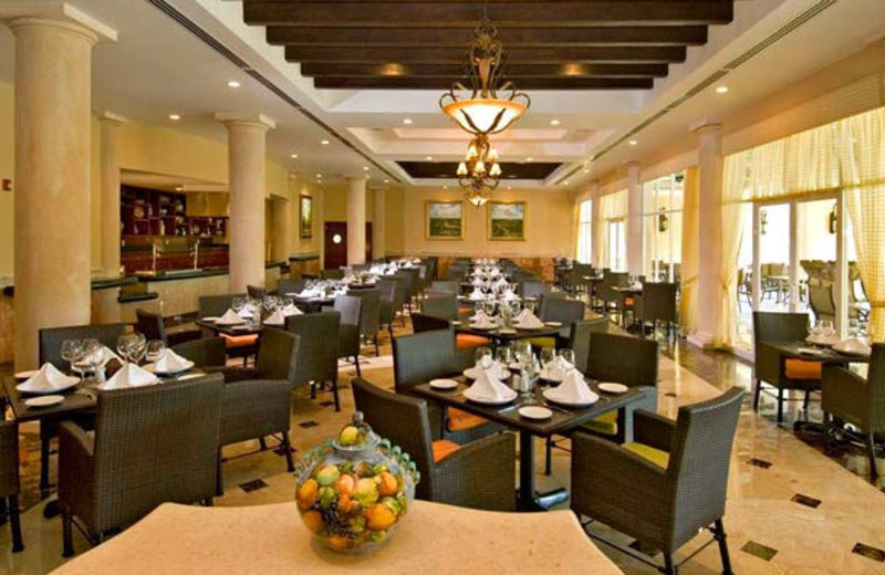 Dining at Courtyard By Marriott Cancun.