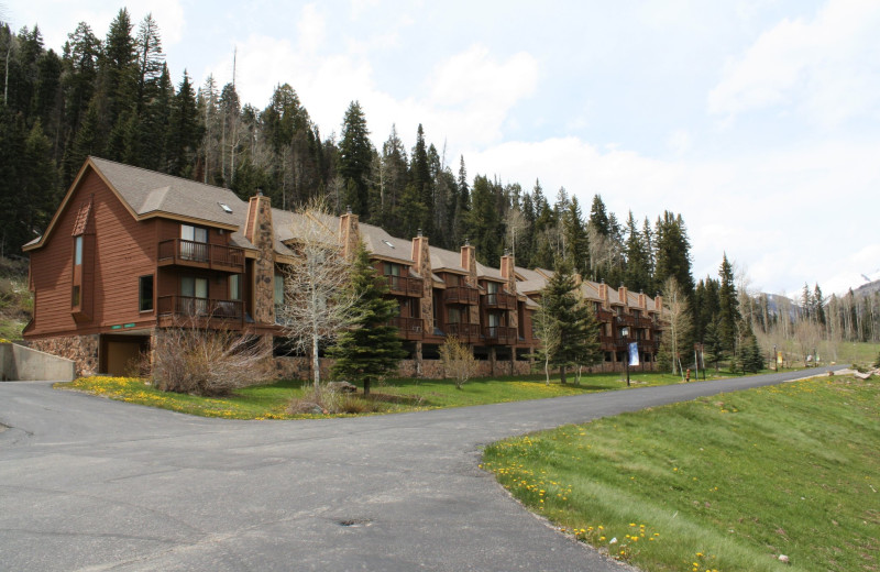 Exterior view of Cascade Village Condominiums.