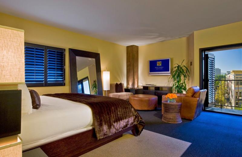 Guest room at Hotel Valencia Santana Row.